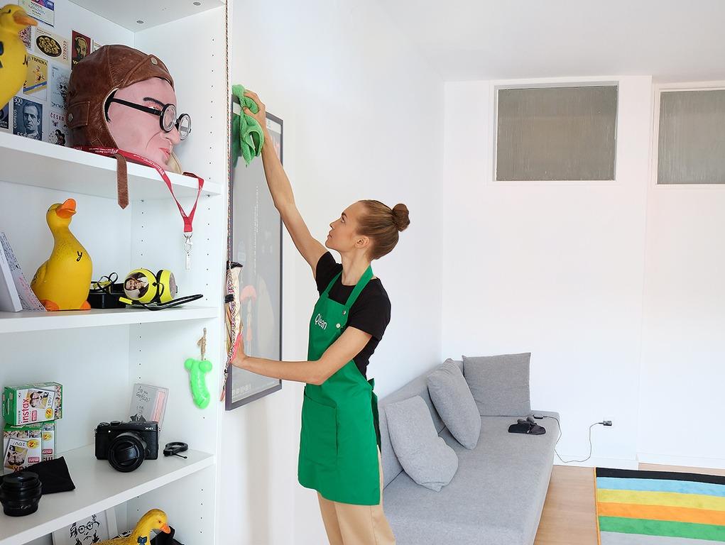 Убираем пыль в комнате: основные приспособления